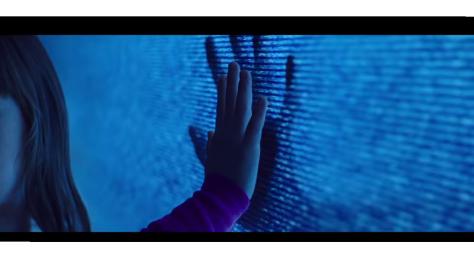 poltergeist-2015-film-reboot-horror-trailer-reaction