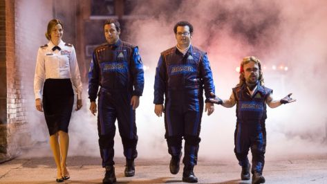 pixels-adam-sandler-kevin-james-michelle-monaghan-peter-dinklage-josh-gad-scifi-action-comedy-movie-review-2015-video-games