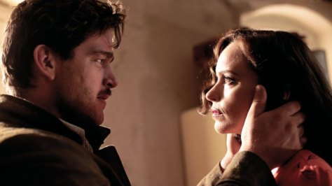 phoenix-drama-film-christian-petzold-nina-hoss-berlin-german-wwii-noir-movie-review-2014-2015