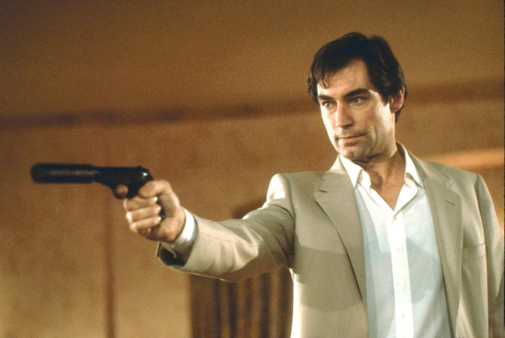 licence-to-kill-007-1989-james-bond-timothy-dalton-robert-davi-benecio-del-toro-movie-review-2015-spectre-daniel-craig