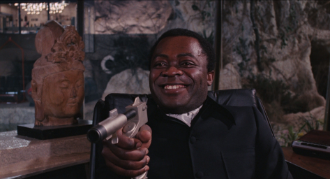 live-and-let-die-1973-james-bond-yaphet-kotto-roger-moore-jane-seymour-movie-review-spy-thriller-blaxploitation-action-film