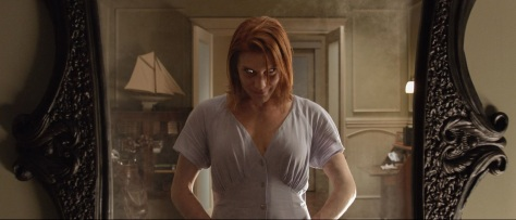 oculus-katie-sackhoff-best-horror-movies-on-netflix-2015-october-mirror