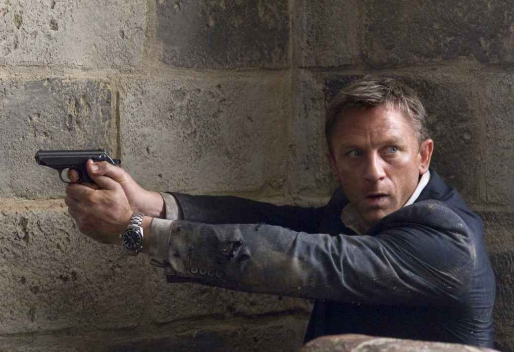 quantum-of-solace-2008-movie-review-james-bond-007-daniel-craig-olga-kurylenko-spectre-2015
