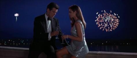 the-world-is-not-enough-pierce-brosnan-007-james-bond-action-film-1999-denise-richards-sophie-marceau-robert-carlyle-judi-dench-2015-spectre-movie-review