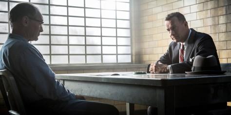 bridge-of-spies-tom-hanks-alan-alda-jesse-plemmons-amy-ryan-steven-spielberg-movie-review-2015-oscars
