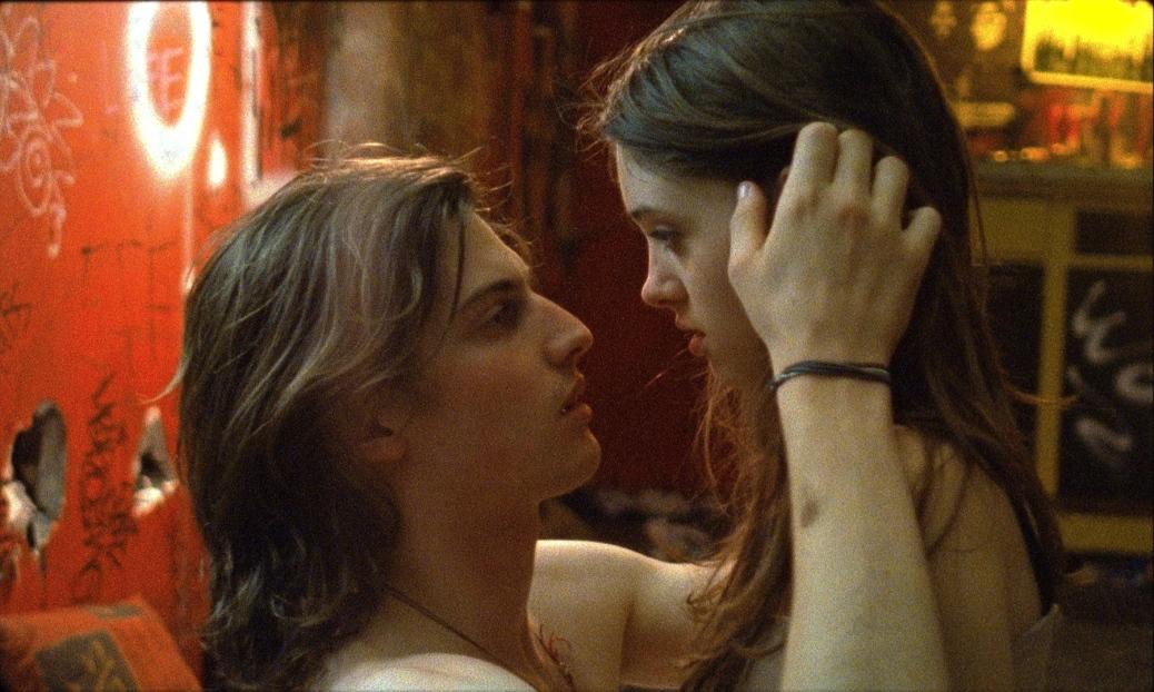 I-believe-in-unicorns-leah-meyerhoff-movie-2015-natlia-dyer-movie-review-indie-drama