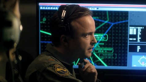 eye-in-the-sky-movie-review-2016-aaron-paul