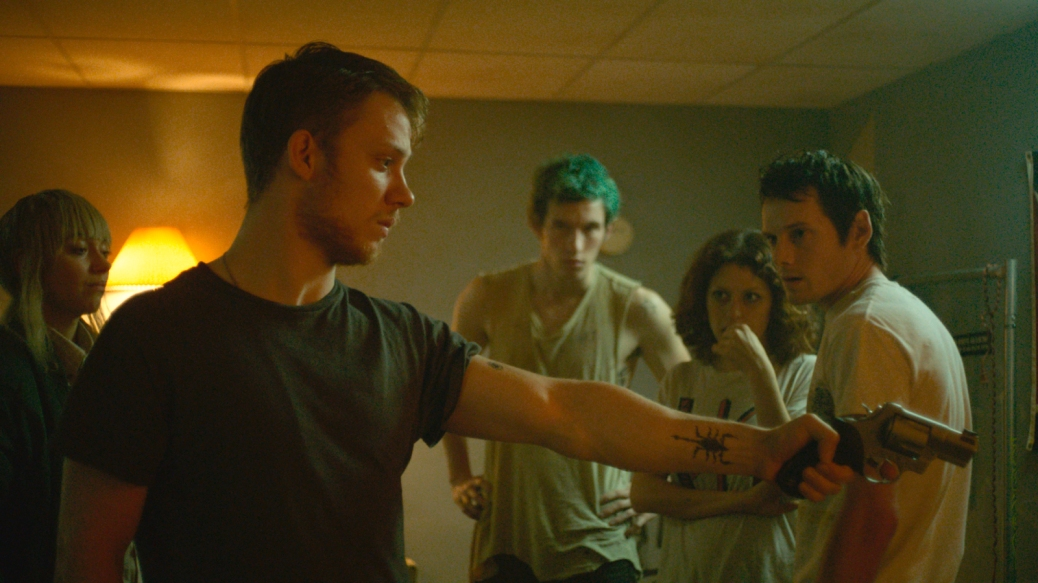 green-room-2016-jeremy-saulnier-movie-review-thriller-horror-sir-patrick-stewart