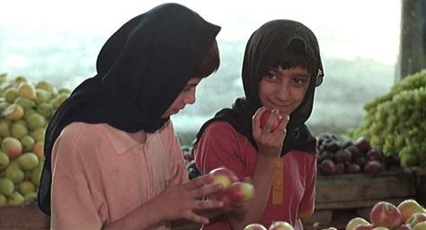 the-apple-1998-movie-iran-film-psychology