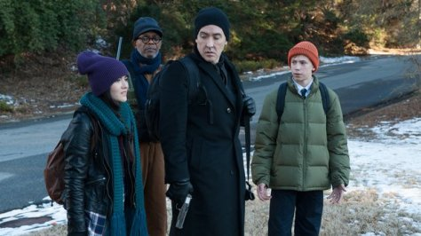 cell-2016-movie-review-john-cusack-samuel-l-jackson-stephen-king-adaptation-zombies