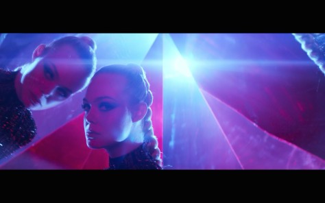 the-neon-demon-movie-review-2016-nicolas-winding-refn