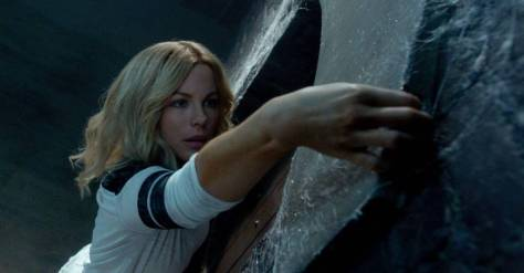 the-disappointments-room-2016-movie-review-horror-kate-beckinsale
