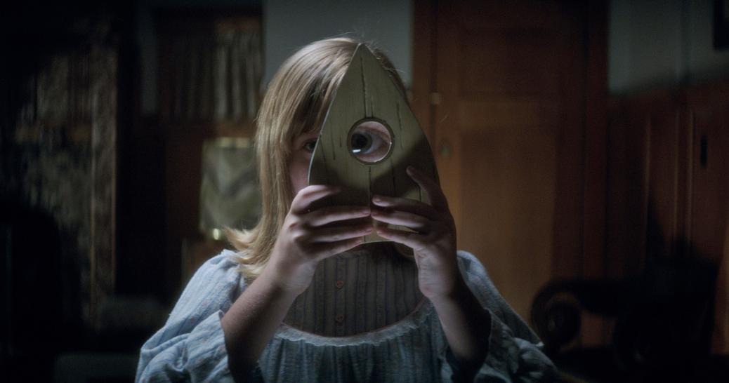 ouija-origin-of-evil-sequel-horror-film-2016-movie-review-mike-flanagan