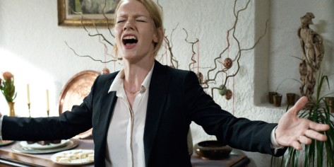 toni-erdmann-2016-movie-review-oscars-best-foreign-language-film-nominee