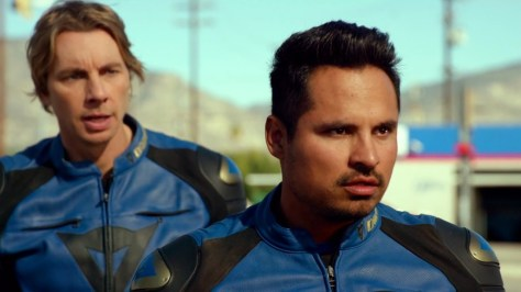 chips-2017-movie-review-michael-pena-dax-shepard