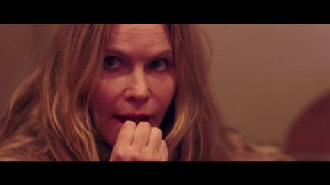 good-time-movie-review-2017-jennifer-jason-leigh