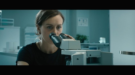 netflix-movie-review-2018-the-titan-taylor-schilling