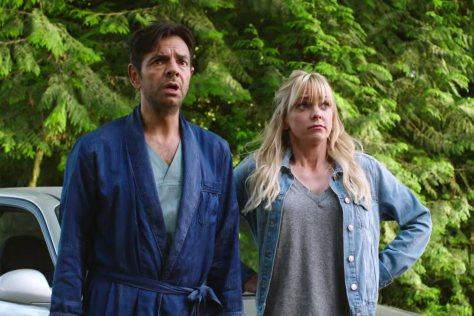 2018-comedy-movie-remake-overboard-review-anna-faris-eugenio-derbez