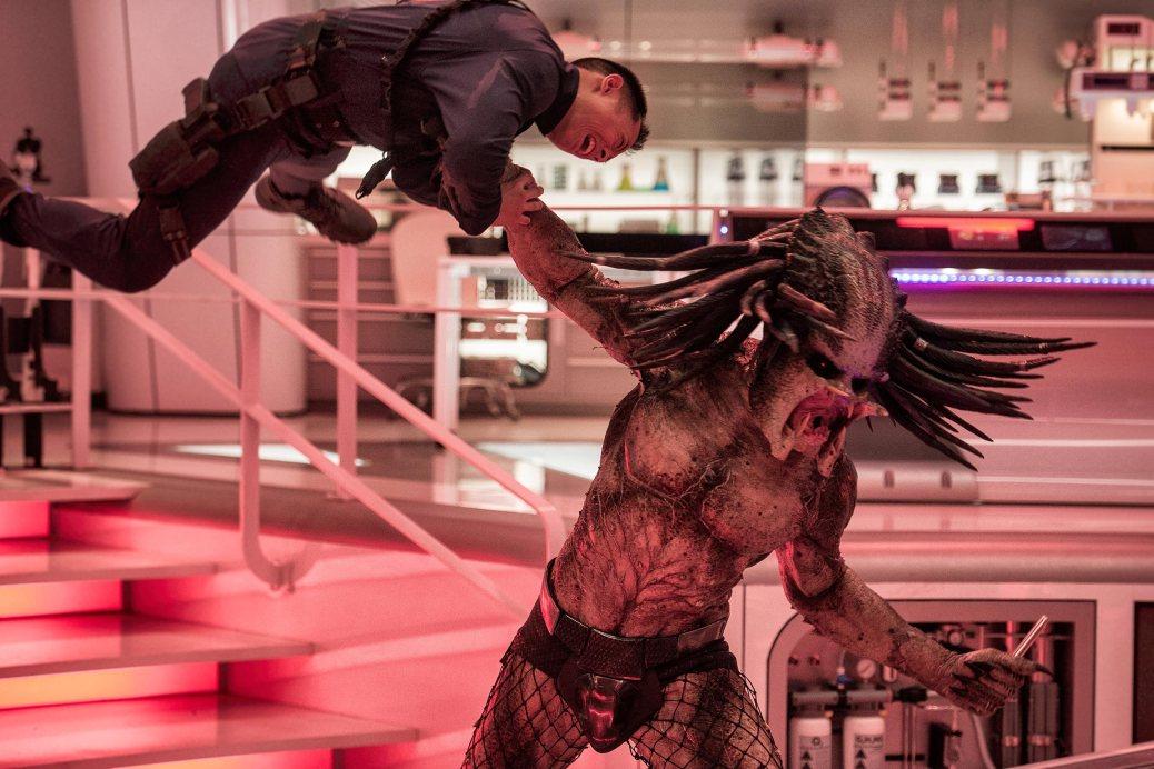 shane-black-2018-the-predator-horror-action-movie-review