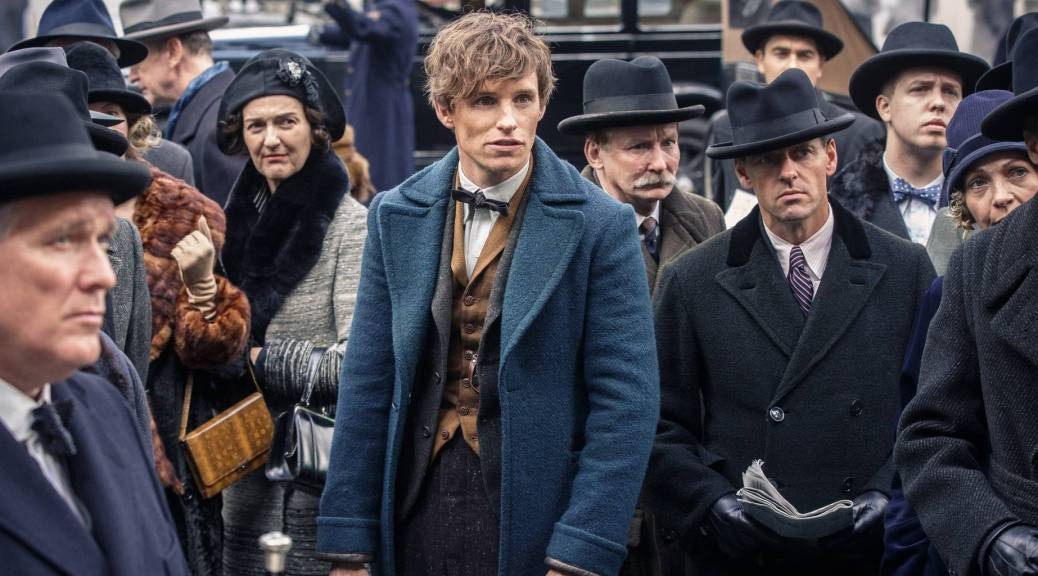 fantastic-beasts-2-the-crime-of-grindelwald-2018-movie-review-eddie-redmayne