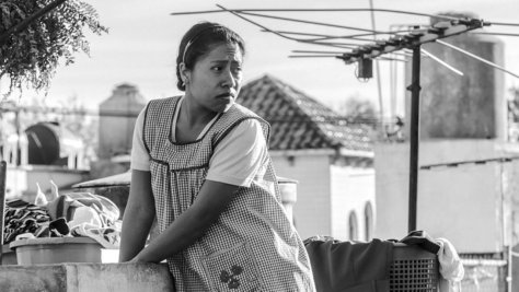 yalitza-aparicio-roma-2018-movie-review-alfonso-cuaron-netflix