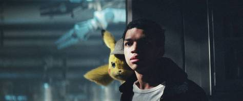 justice-smith-ryan-reynolds-in-pokemon-detective-pikachu-2019